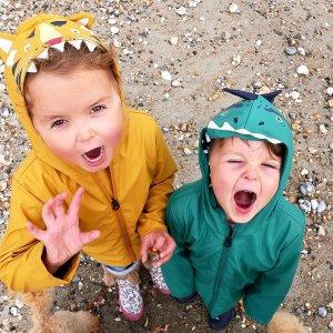 低至3折 收封面可爱雨衣英国品牌 Joules、美国品牌 Calvin Klein 等时尚童装优惠