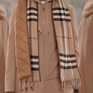 Up to 40% OffBurberry Scarfs Sale