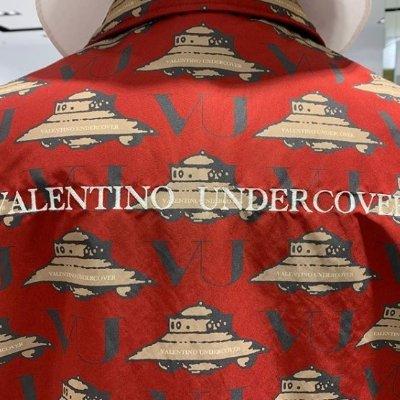 强势登陆 £175收联名款卡包Valentino X Undercover 强强联手 占据潮流先锋阵地