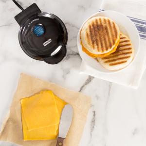 $14(原价$20)Dash 迷你烤盘 一人食早餐机 轻松搞定早餐、下午茶