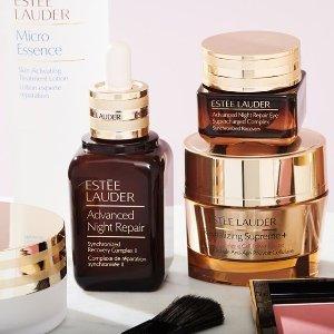 获赠小棕瓶、大表姐口红、妆前乳延长一天:Estée Lauder 低门槛送三件套 套装补货