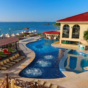 From $4293-, 4-, 6-, or 7-Night All-Inclusive All Ritmo Cancun Resort