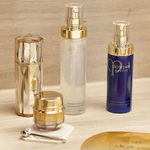 Receive 4 Travel Size Sampleson Orders over $150 @ Cle de Peau Beaute
