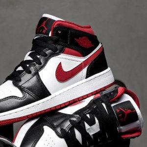 NikeAir Jordan 1 Mid 红丝绒+黑