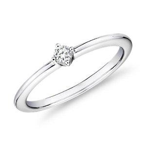 Blue Nile钻石戒指