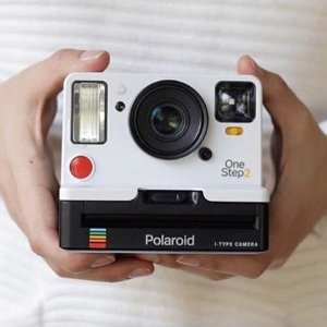 现价£98.48(原价129.99)Polaroid 宝丽来 OneStep2 VF 拍立得 时隔四十年的新产品