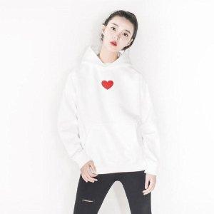 白色红心卫衣