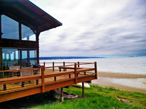 Buddy's Beach House - Houses for Rent in Langley, Washington, United States