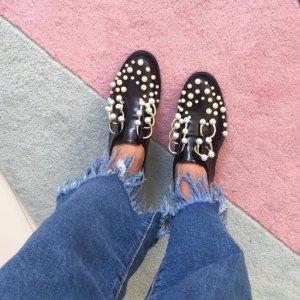 低至3折 coliac 珍珠鞋、大王断根靴都有Avenue 32 精选设计师牌手袋、鞋履、服饰等热卖
