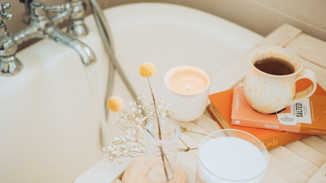 宅家泡澡指南 | 精致小仙女宅家的正确泡澡方式,泡泡浴、精油浴…美肤助眠好处多