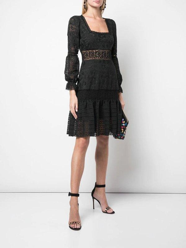 蕾丝连衣裙