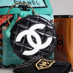 €590收复古logo耳环Chanel 香奈儿中古二手专场 包包手袋、配饰、成衣全在线