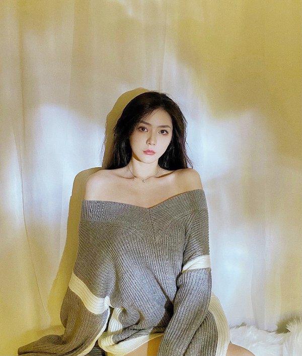Sabine Grey 毛衣