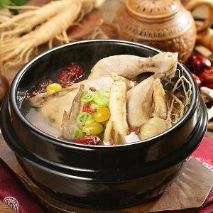 Anti-flu RecipeBoiling Chicken Soup With Chinese Traditional Medicine