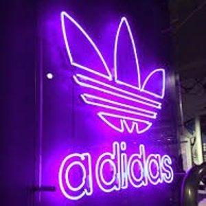 低至5折 €44.32收帽衫adidas 香芋紫专区 三叶草卫衣、夹克、运动服饰热促