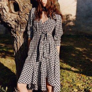 低至4折+ 额外7.5折 AcneT恤$45The Outnet 时尚单品热卖 Sandro,Maje 法式优雅美裙$112起