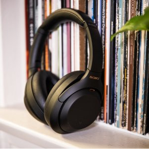 $392(发售价$549)Sony WH-1000XM4 降噪耳机 仅剩1个