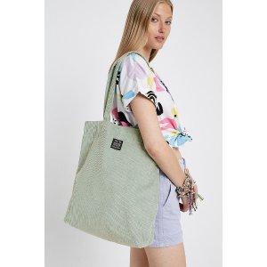 Urban Outfitters薄荷绿tote包