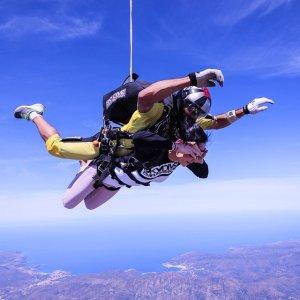 $149起   带摄像$229起加州湾区串联跳伞限时优惠 吃鸡相似款 明星同款