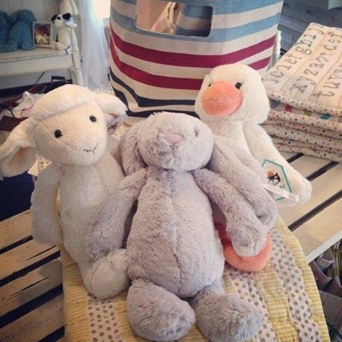 低至8折 £25收经典邦尼兔Jellycat 软萌网红小兔子 床上的毛绒玩具只少不多