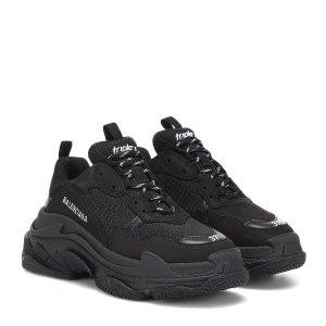Balenciaga官网定价$895Triple S 老爹鞋