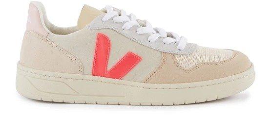 V-10 平底鞋