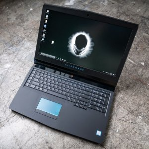 Save up to $1000Alienware 17R5 Gaming Laptops