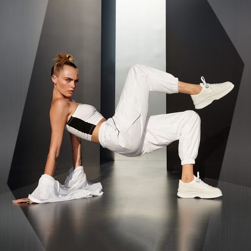 DEVA 厚底白鞋