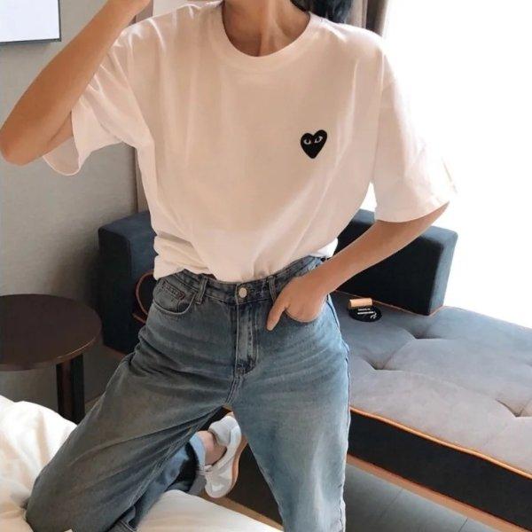 黑色爱心T恤