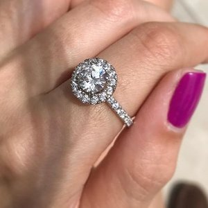 For $648Dealmoon Exclusive: Szul 1 Carat TW Diamond Halo Ring in 14K White Gold