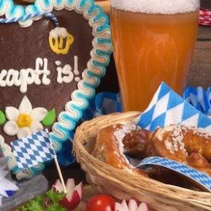 走进德国美食德国旅行必食的6种美食 主菜、香肠、甜品都有