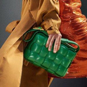 全线9折 €213.9收拖鞋Bottega Veneta 2020秋冬新品上线 收经典编织包、大热云朵包