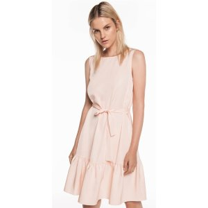 CUE粉色连衣裙