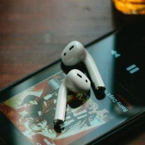 7.2折 €125.75收有线充电版Apple AirPods 2代 全网最低价 最省心的蓝牙耳机