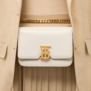 Up to $600 Gift CardBurberry Purchase @ Neiman Marcus