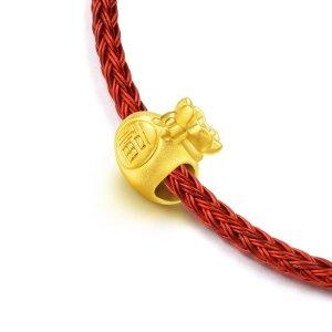 价格显示为HK$港币「文化祝福系列」足金福袋串飾