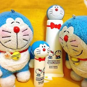 $5.9 / RMB40起 直邮美国哆啦A梦 & hello kitty 合作款 唇膏&护手霜 限量发售