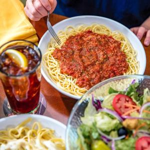 第2份仅$5 意面拎回家Olive Garden 主餐吃一份带一份优惠活动