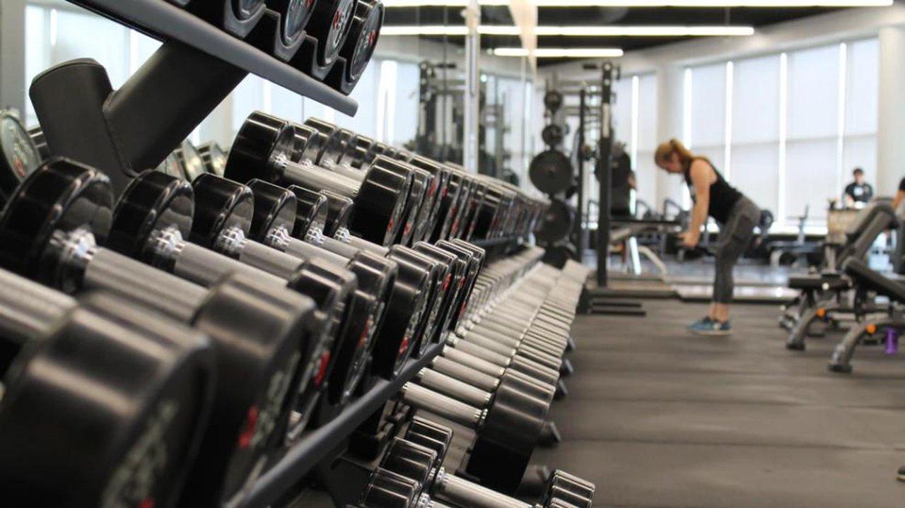 拥抱健康生活!温哥华6家热门健身房盘点:价格参考、优劣势对比都给你总结好了!🏋️♀️