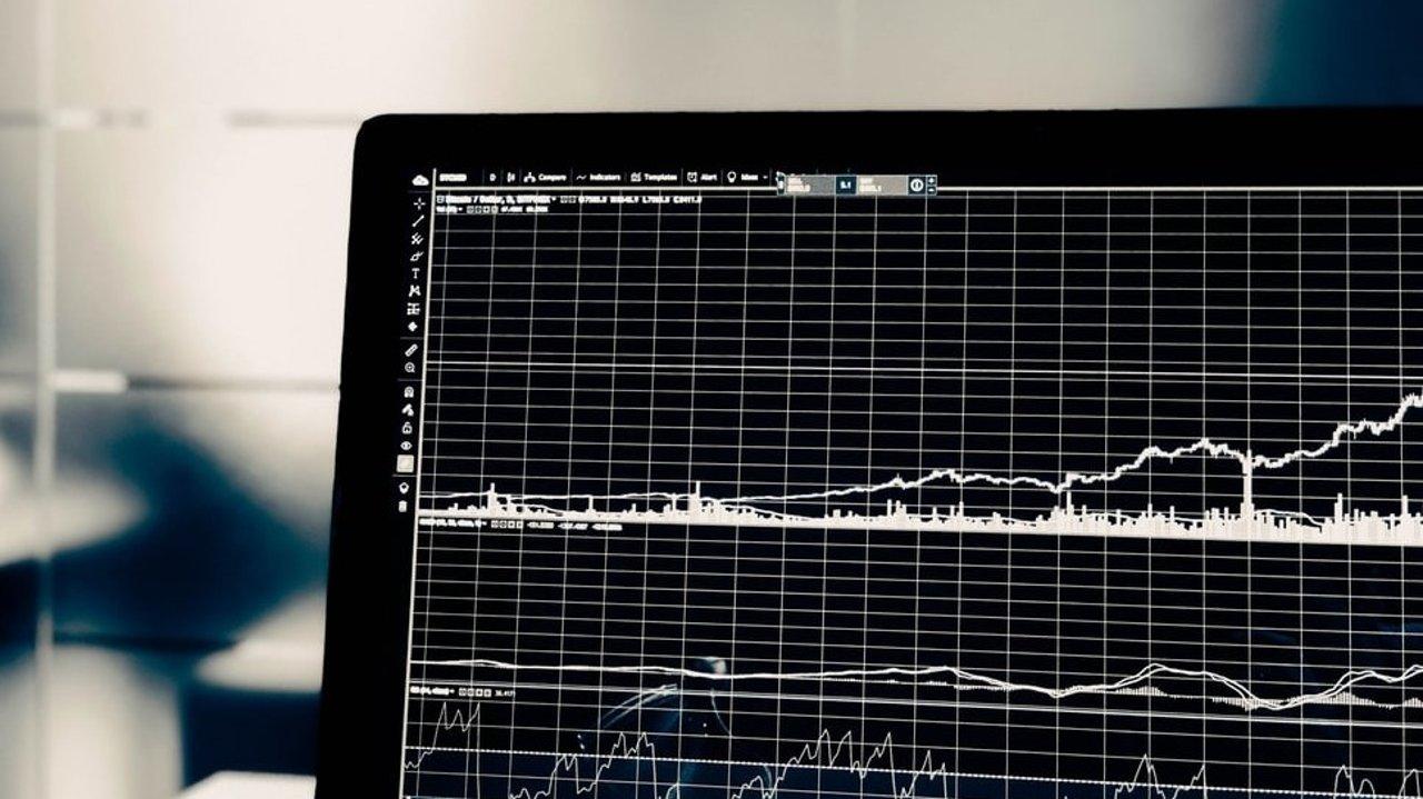 美国股票开户指南┃相关材料、券商对比、选择攻略!