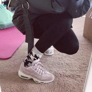 低至5折起 入手€14起Nike官网春季大促 今年最夯的香芋紫 运动girl也不错过