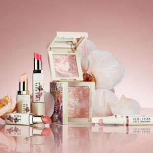 买就送同款化妆包Bobbi Brown X Ulla Johnson 设计师联名限量系列上线