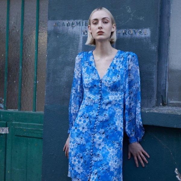 蓝色碎花裙