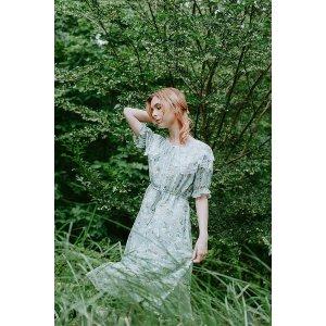 雪纺蕾丝领清新连衣裙