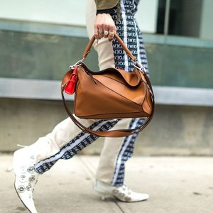 最高立享7.5折即将截止:Loewe 全场美包服饰、鞋履配饰热卖