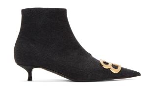 Balenciaga 尖头猫跟靴