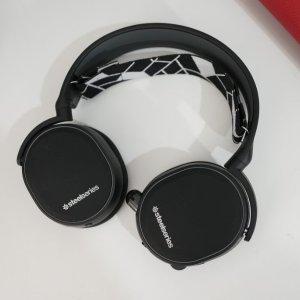 $129.99限今天:SteelSeries Arctis 3 蓝牙无线耳机,吃鸡专用耳机
