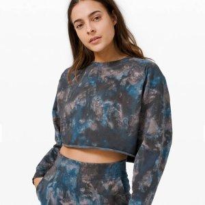 6.6折+包邮 $79收封面款Lululemon 女士扎染短款卫衣 三色可选 仅在网上有售 秋冬必备