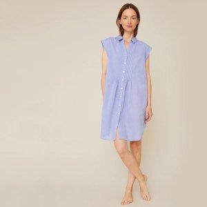 天蓝色连衣裙
