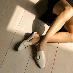 低至5折+额外9.5折即将截止:Bally官网 全年最低经典穆勒鞋大促